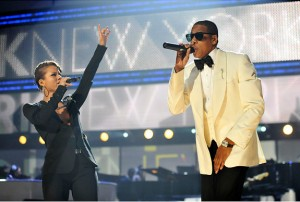 Alica Keys singing with Jay-Z
